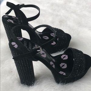 NWOT Juicy Couture black heels